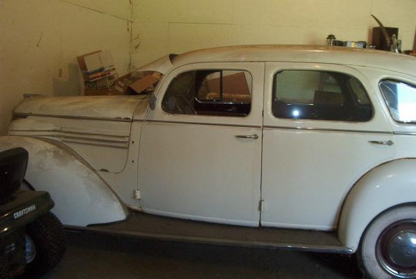 1939 Hupmobile Senior Six Side Garage
