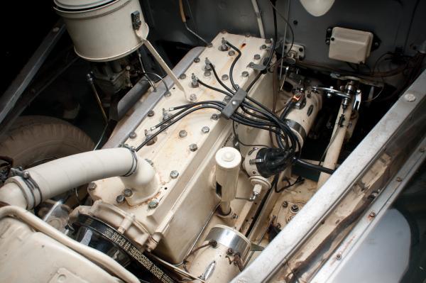 1939 Pontiac Deluxe Six Engine