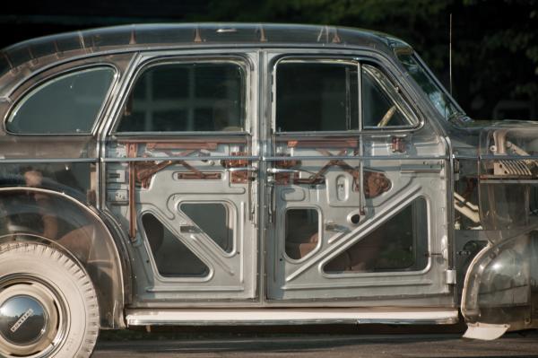 1939 Pontiac Deluxe Six Side