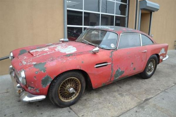 1962 Aston Martin Db4 Front Corner