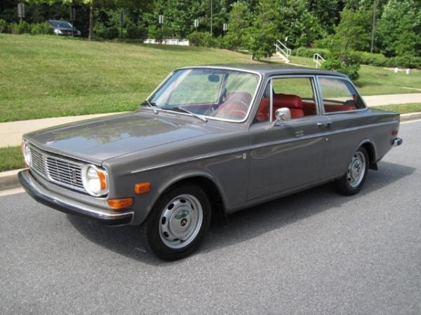 1969-volvo-142s-front.JPG