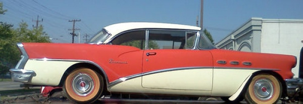 1956-buick-special-hardtop-side-view