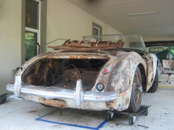 1961 Austin Healey 3000 Trunk