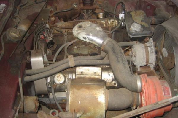 1964-Studebaker-Avanti-R2-engine