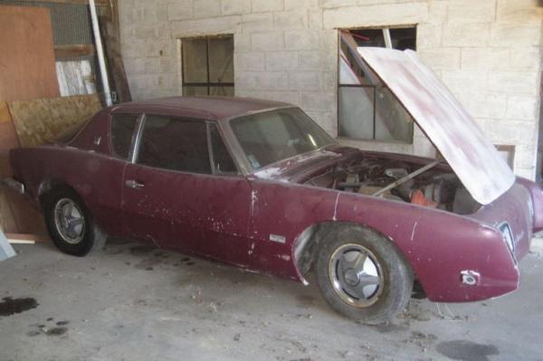 1964-Studebaker-Avanti-R2