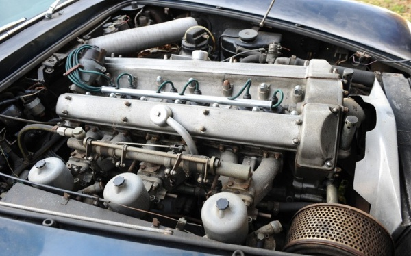 1964-aston-martin-db5-engine
