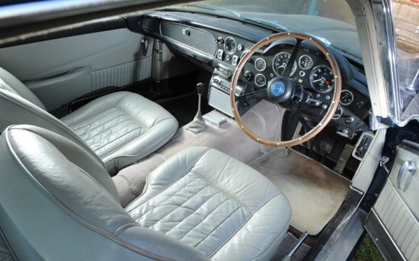1964-aston-martin-db5-interior