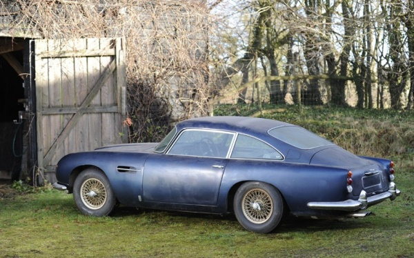 1964-aston-martin-db5-rear-corner
