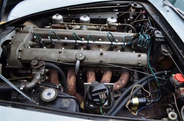 1965-aston-martin-DB5-engine
