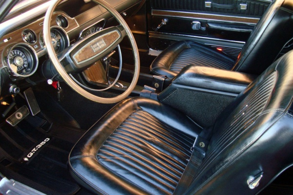 1968-Shelby-GT350-Convertible-interior