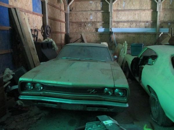 1969-Dodge-Coronet-RT-HEMI-barn-find