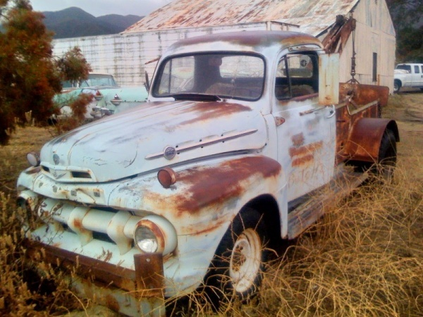 barn-find-1952-ford-f2-tow-truck