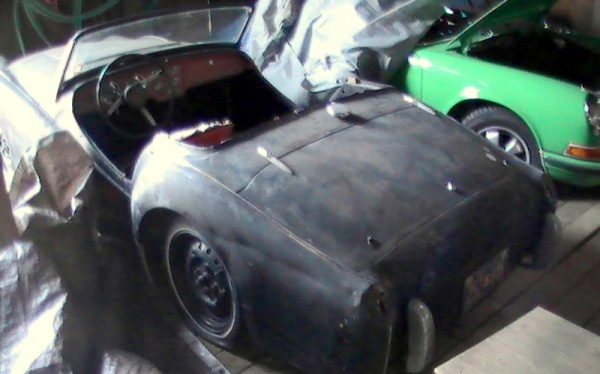 project-1957-triumph-tr3-rear-corner