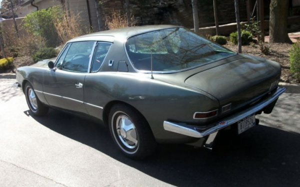 1966-Avanti-II-rear