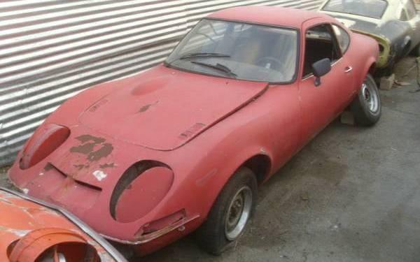 red-Opel-GT