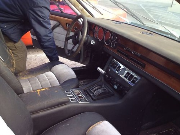 rare-four-door-1978-de-tomaso-deaville-interior