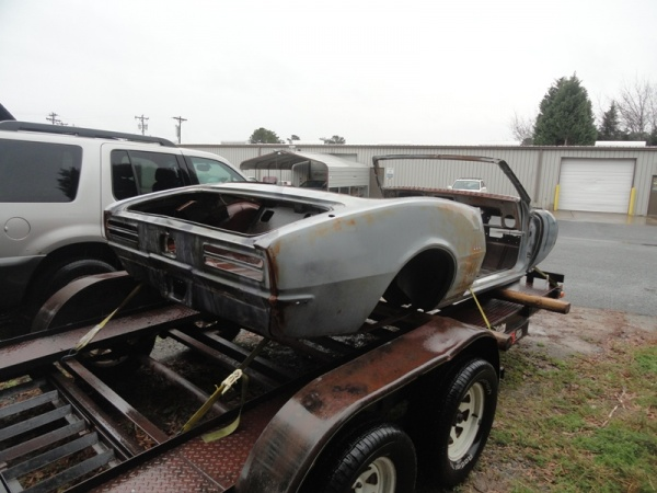 wades-1967-pontiac-firebird-rear-corner